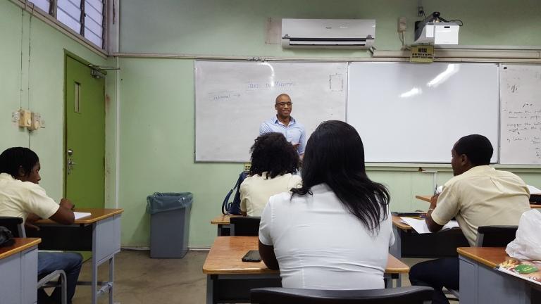 Class room Messenger Class